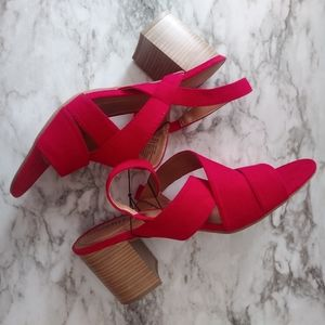 Nwot Womens White Mt. Red Block Heels size 11